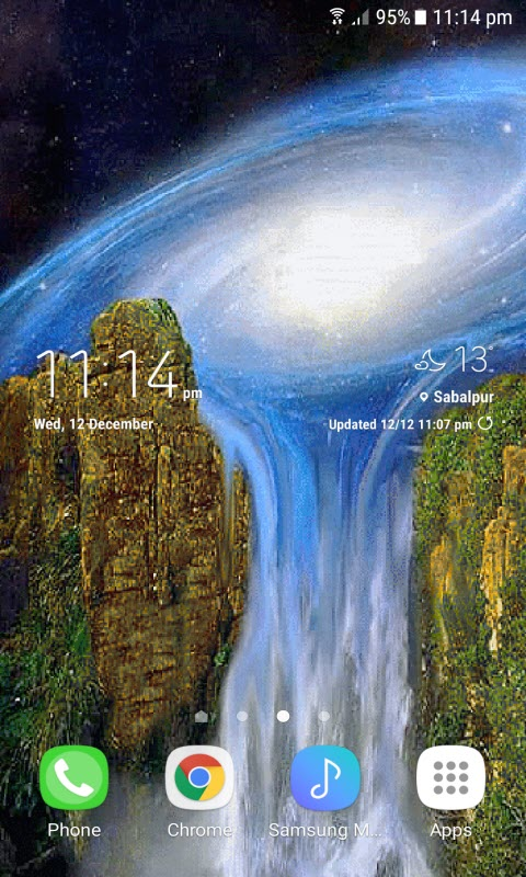 Milky Waterfall Live Wallpaper